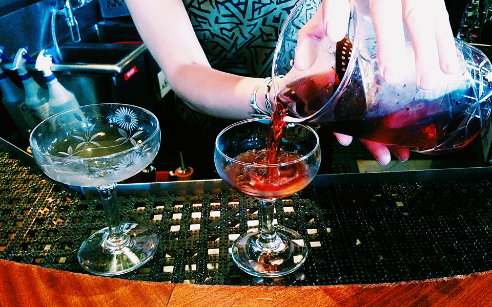 rum_club_pour